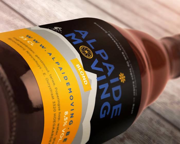 Alpaide-moving-Mockup7-flesje-bier-liggend Alpaïde Moving