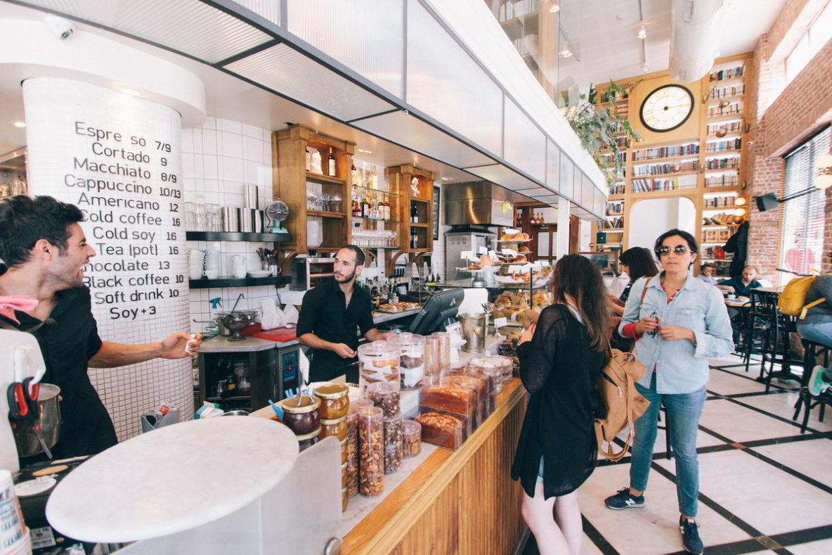 003. Google Mijn Bedrijf - drukke koffiezaak