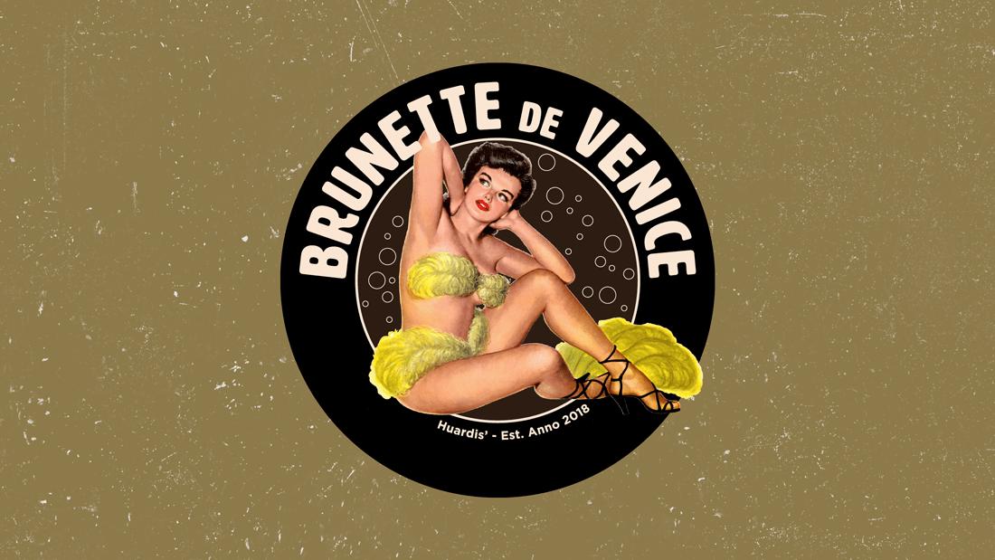 Brunette2 Den Venetiaen